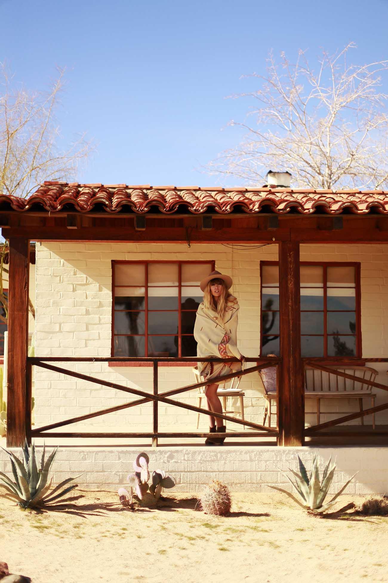 fringeandfrange-house-desert